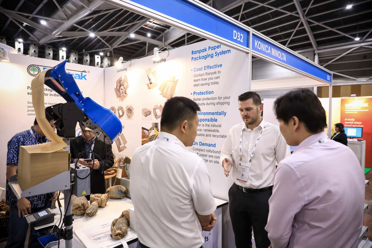 Networking activities at the LMFA On-Floor Exhibition Area about packaging system
