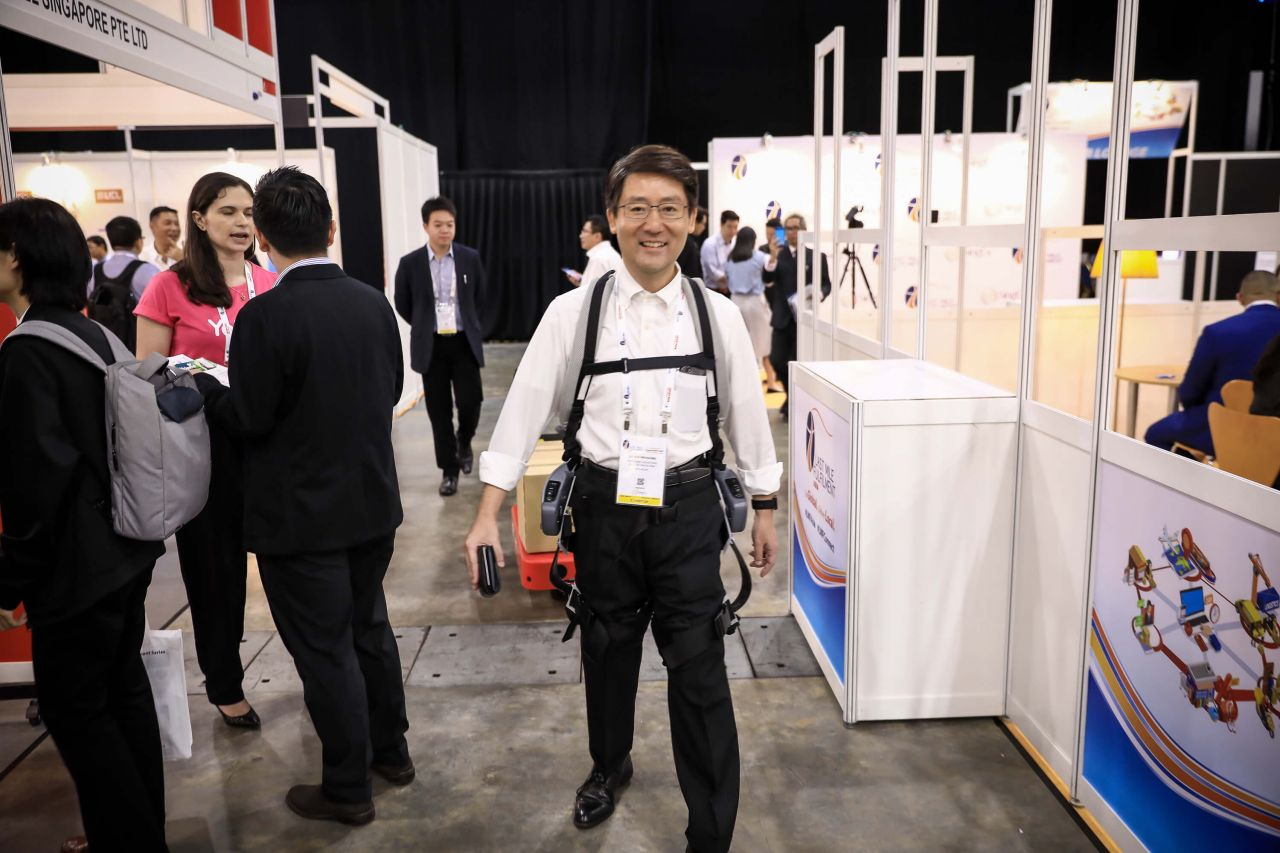 Next-generation materials handling solutions from sensor-based trolleys to industrial exoskeletons – By Toyota Tsusho