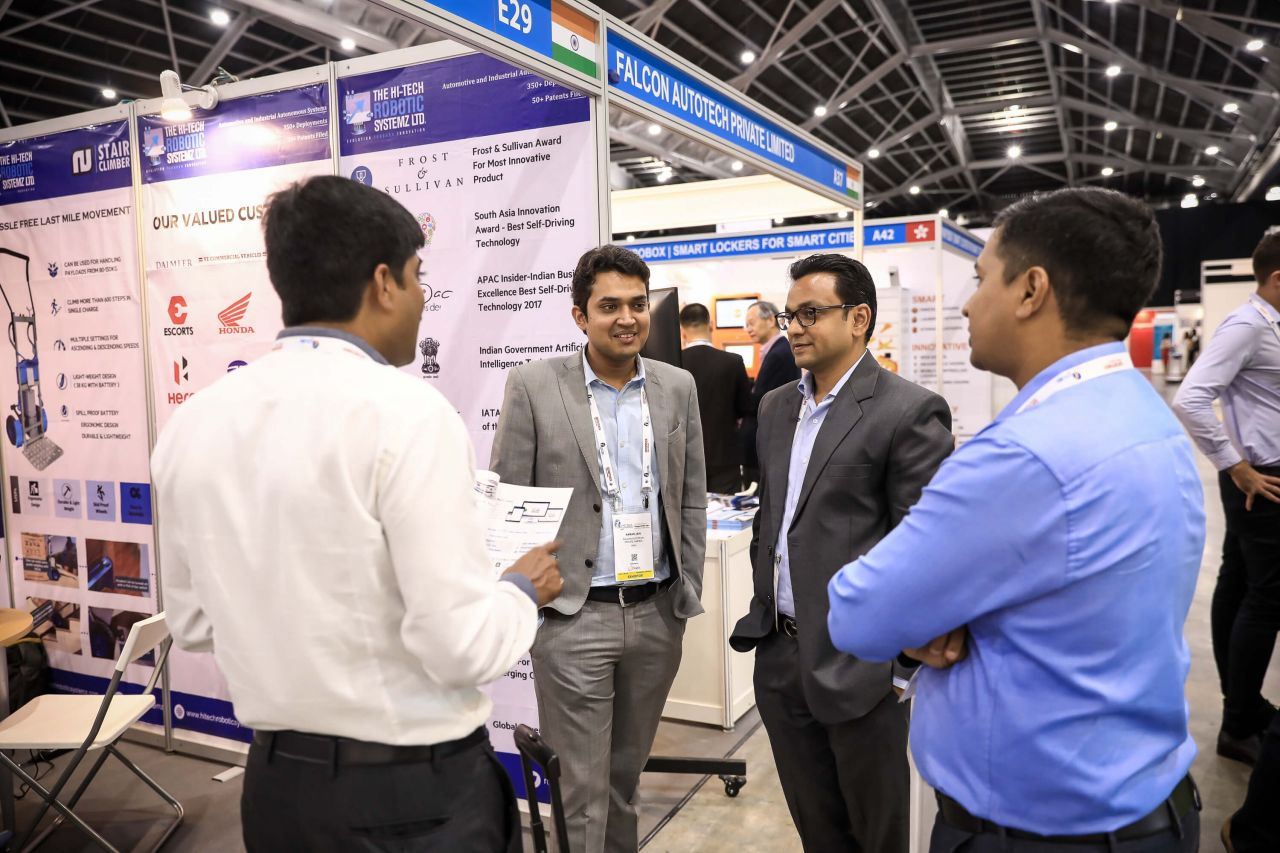 Networking activities at the LMFA On-Floor Exhibition Area about cross-boarder fulfilment in Asia pacific